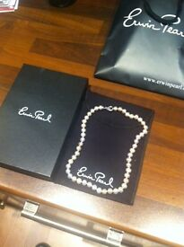 ladies pearl necklace