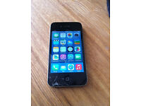 iphone 4 16gb Vodafone - working perfect - cracks in screen glass
