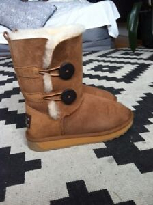 Size 6 UGG boots - NEW