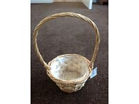 Willow basket with handle - unused, still with label