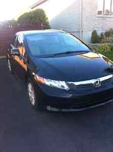 Honda Civic 2012 LX noir 4 portes automatique tout équipé