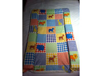BABY BOYS & GIRLS MULTICOLOUR ANIMALS CHANGING MAT new condition