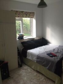 Double Room to rent in a flat share in Oval-Kennington £650 pcm!!!