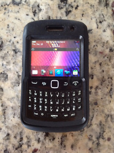 Blackberry 9360.