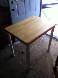 Small Oak Table & End Tables