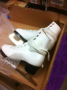Figure Skates size 8 Child still new!