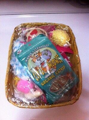 Gift Basket Supplies (CAT HOLIDAY GIFT BASKET)