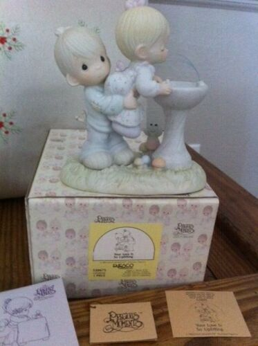 Precious Moments,520675, Your Love Is So Uplifting, Flower Mark, 1988 Great Gift