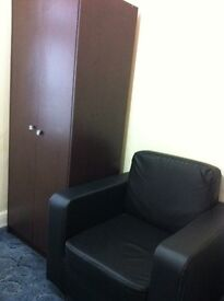 single room available near gantshill station 1min