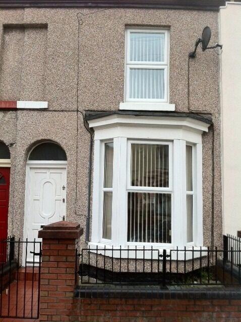 NO DEPOSIT 3 bed unfurnished Terrace on Rydal St L5
