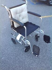 Fauteuil de transport - Chaise roulante  - Hugo