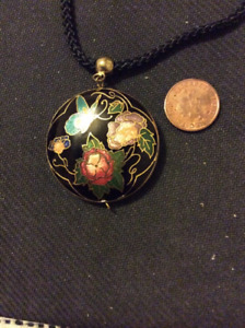 Nice VINTAGE Cloisonne necklace collected from an Estate Sale