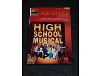 High School Musical - Piano / Vocal / Guitar Play-Along Songbook Written Music - Volume 51 - WITH CD