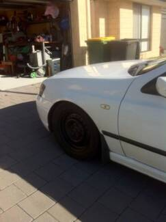 2005 Ba xt Ford Falcon (Winter white colour) Canning Vale Canning Area Preview