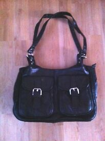 LADIES / WOMEN'S BLACK HANDBAG - NEW