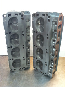 Ford Mustang 302 E7 Cylinder Heads and Intake Manifold 5.0