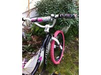 cool girls bmx style bike, age approx 6-12, adjustable seat & handlebars, full spin, very good cond