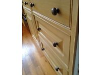 25 pitted gun metal door/drawer knobs with fixing screws. Must collect. £25