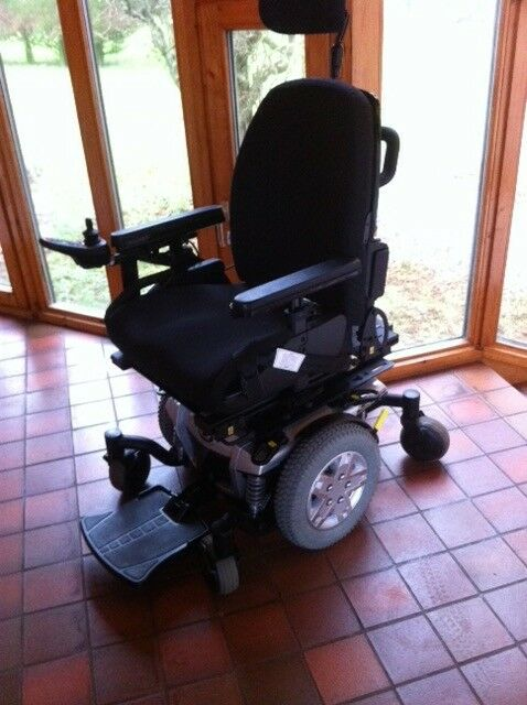 QUANTUM Q6 SOPHISTICATED ELECTRIC POWER CHAIR, with 10ins SCISSOR LIFT & TILT ( extra feature).