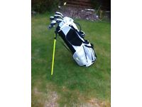 set of callaway golf clubs and nike carry bag for salein mint condition