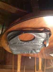 New ARZA designer bag in grey leather - holds laptop REDUCED London Ontario image 1