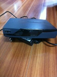 Router Cisco model 851