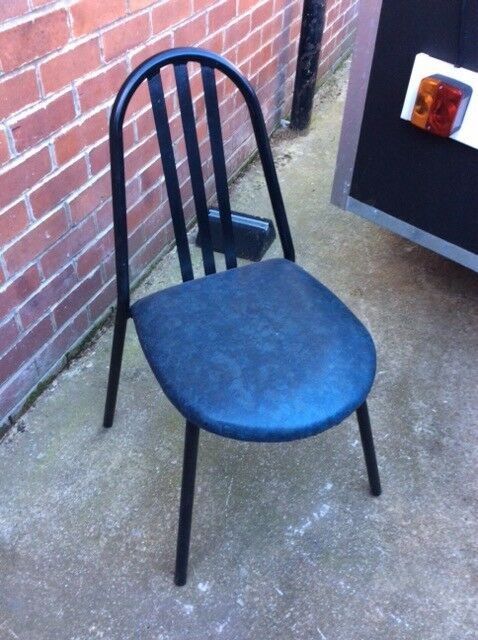 set of 6 chairs in very good condition