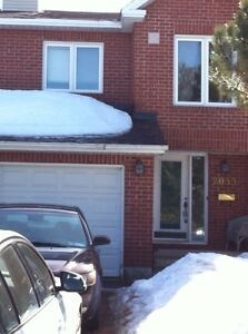 Orleans-Executive Townhome 3 BD RM For Rent May1st/15th/Jun1st