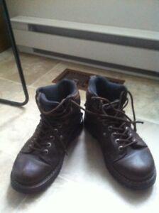 bottes en cuir brun grandeur 9 comme neuf