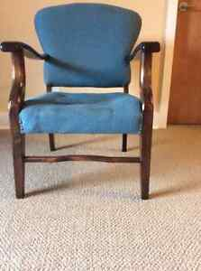 Solid, Basic Armchair with wooden legs and arms