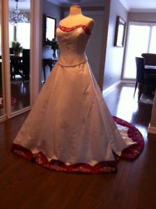 Georgeous One Of A Kind Wedding Dress