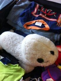 Suitcase (not included) of boys' clothes - various sizes: jeans, trousers, T-shirts + soft toys