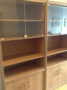 Display cabinets negociable/ buffets sectionnels prix négociable