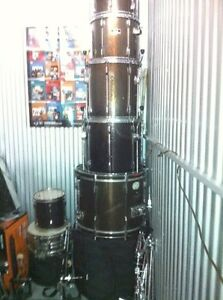 10 Piece Monster Pearl Export with Rotos, Dbl Kick,Cymbals,Rack