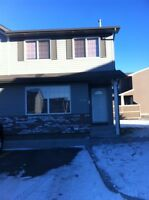Spacious 3 Bedroom Townhouse in REGINA! Move in JUNE!!