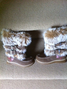 Girls/Toddler Boots from Carter's - size 8