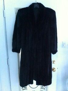 Manteau en fourrure de vison pour Femme / bison mink fur coat