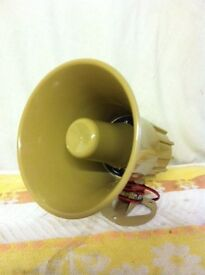 2 x pcs TWO TONE SOUNDER HORN WILL WORK ON 6V TO 12V SUPPLY - bargain