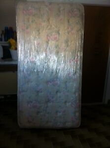 Mattress for Twin Bed/ Matelas pour Lit Simple