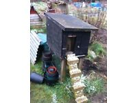 Chicken house and stand £10