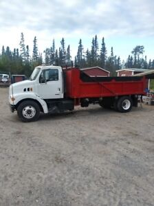 Camion 1999 Sterling LTE 6 roues 190 500 km. 22833 Hr.