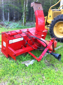Makee Bros 6foot snowblower,new drive shaft and hydraulics.$1000