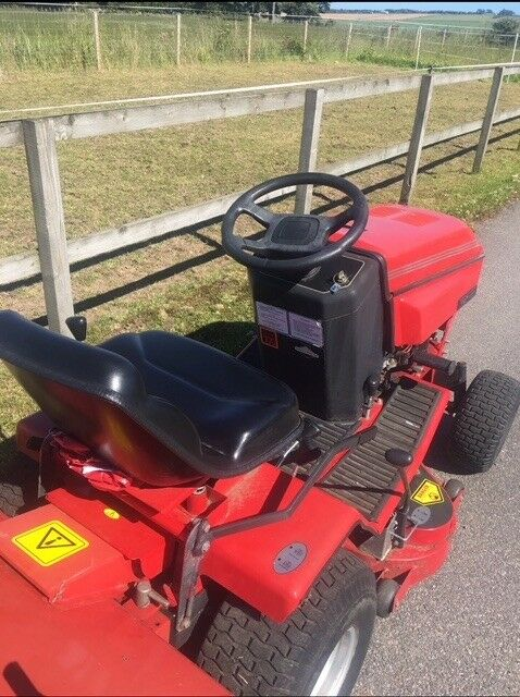 Westwood S1300 Ride On Mower Complete With Grass