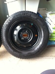 MICHELIN X-ICE SNOW TIRES ON RIMS (Size 185/65)