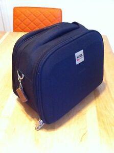 Petite Valise de voyage (Visa delsey vanité) Travel bag