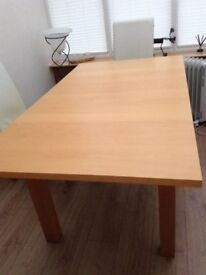 Extending wooden dining table. Excellent condition. 120 to 160 x 90 x 76 cm.