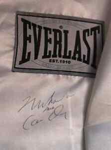 Muhammad Ali aka Cassius Clay - Hand signed EVERLAST robe COA Pooraka Salisbury Area Preview