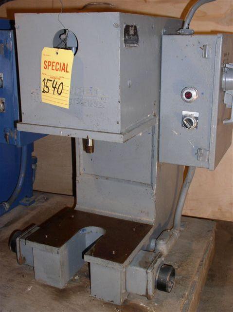 """2 Ton Advanced Hydraulics """"c"""" Frame Hydraulic Press"""