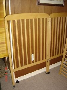 Deluxe Baby Crib/ Bed Gatineau Ottawa / Gatineau Area image 4