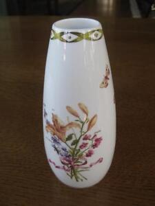 Lovely-6-bud-Vase-Nicolas-Robert-Collection-Royal-Horticulture-Society-Queens